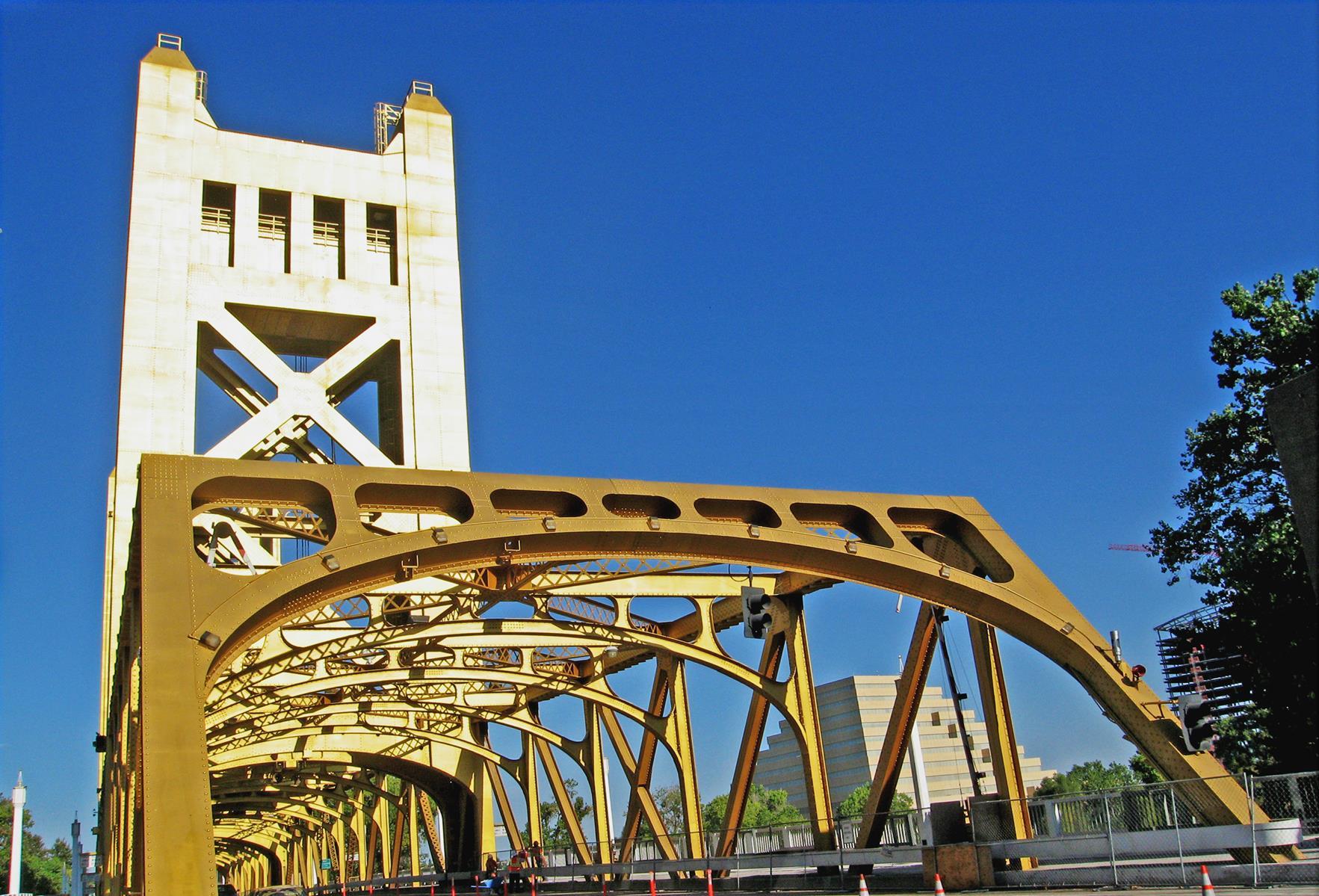 Tower BRIDGE in west sac looking WEST