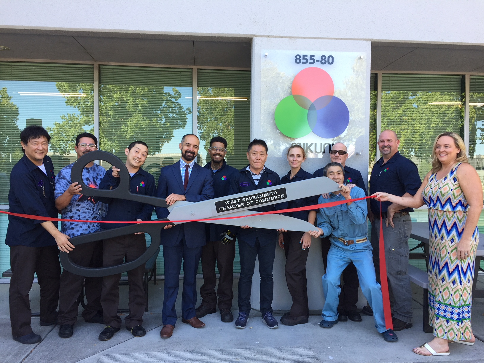Mikuni Color Ribbon Cutting