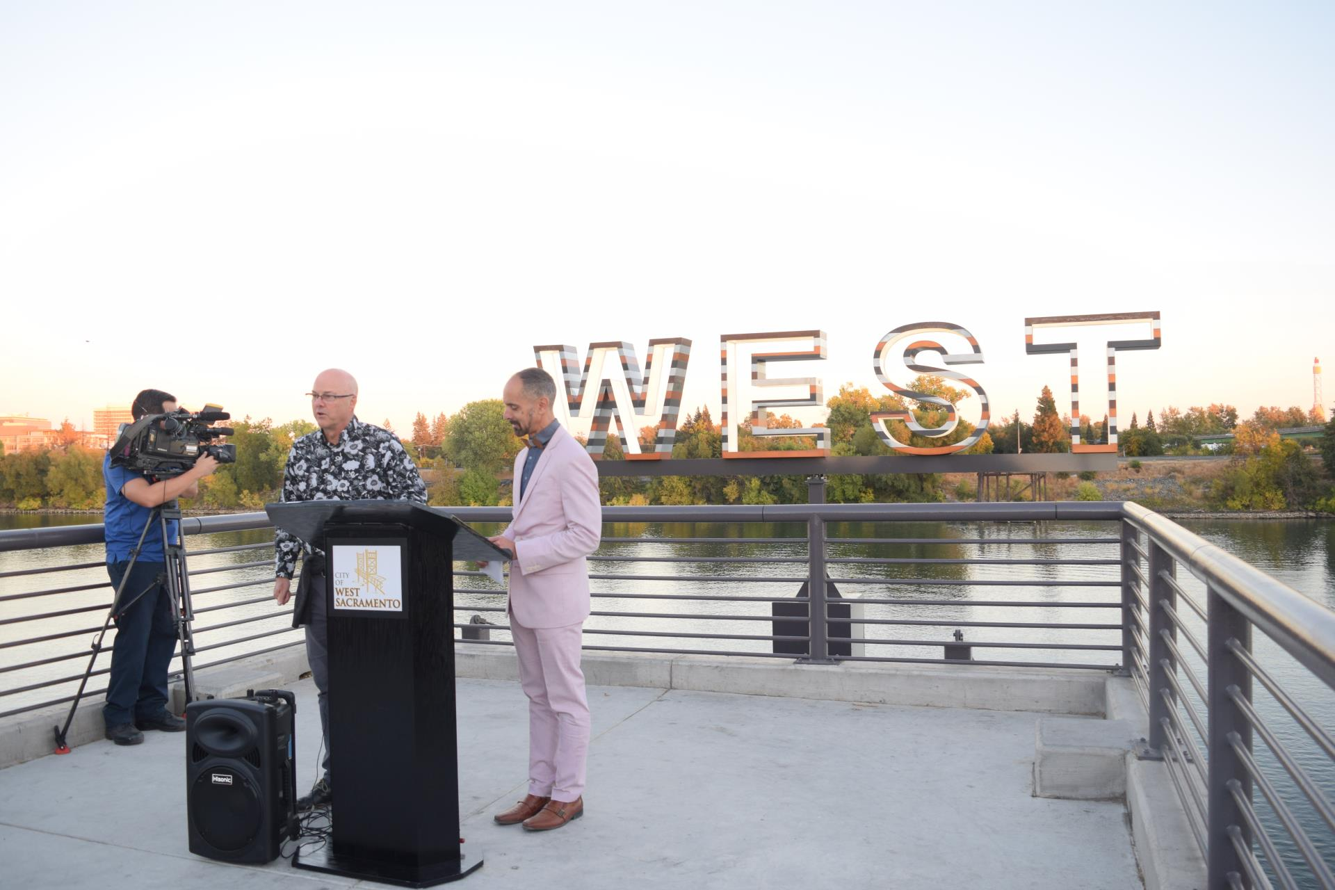 Paul Hosley and Mayor Christopher Cabaldon at WEST art opening-oct-2018