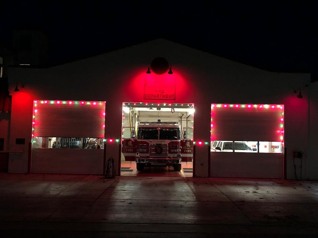 station 41 Christmas lights