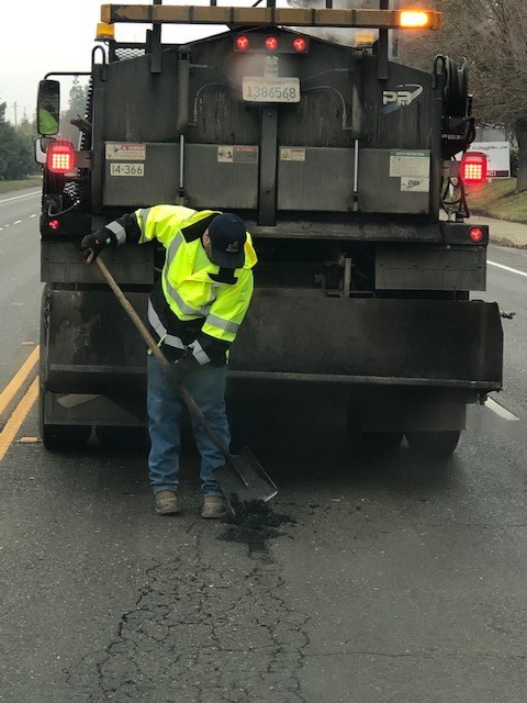 2019-01-08-storm-cleanup-pothole repair