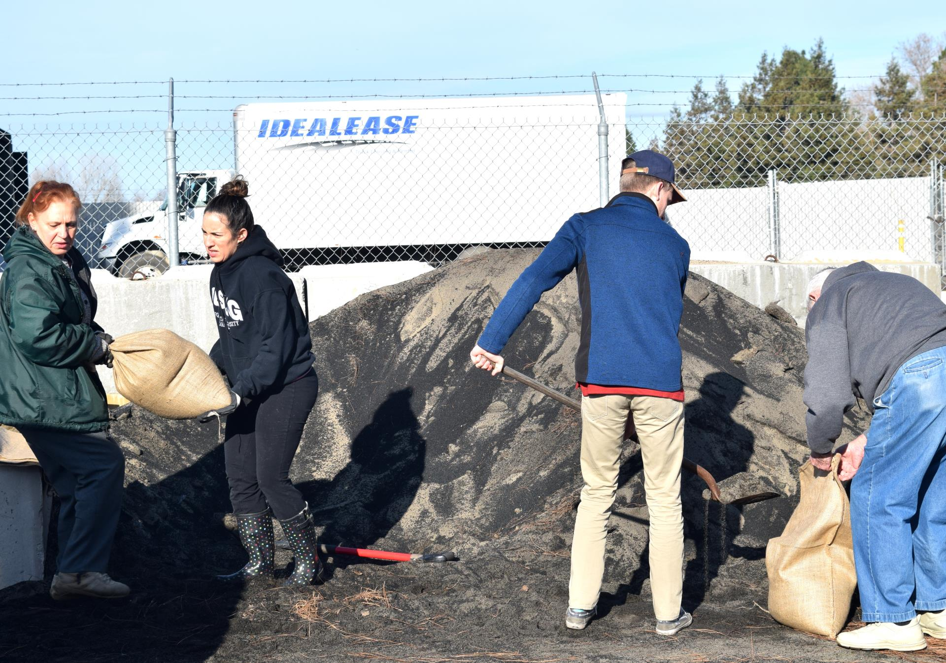 sandbags-Port of West Sacramento