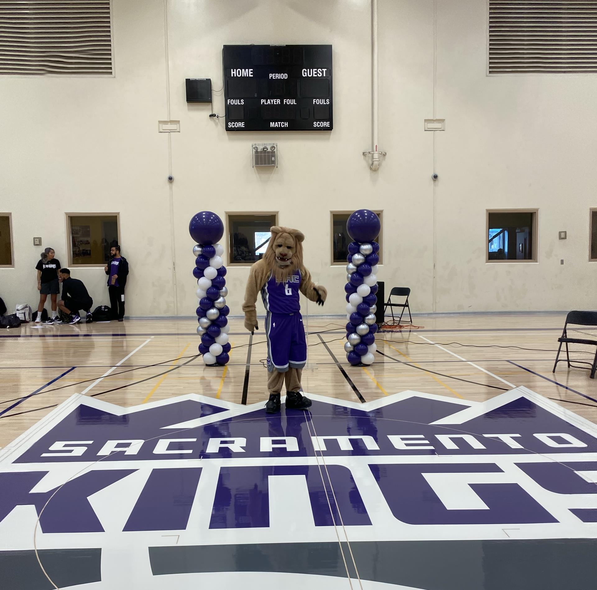 1-11-20 Rec Center court ribbon cutting-Slamson on Kings logo