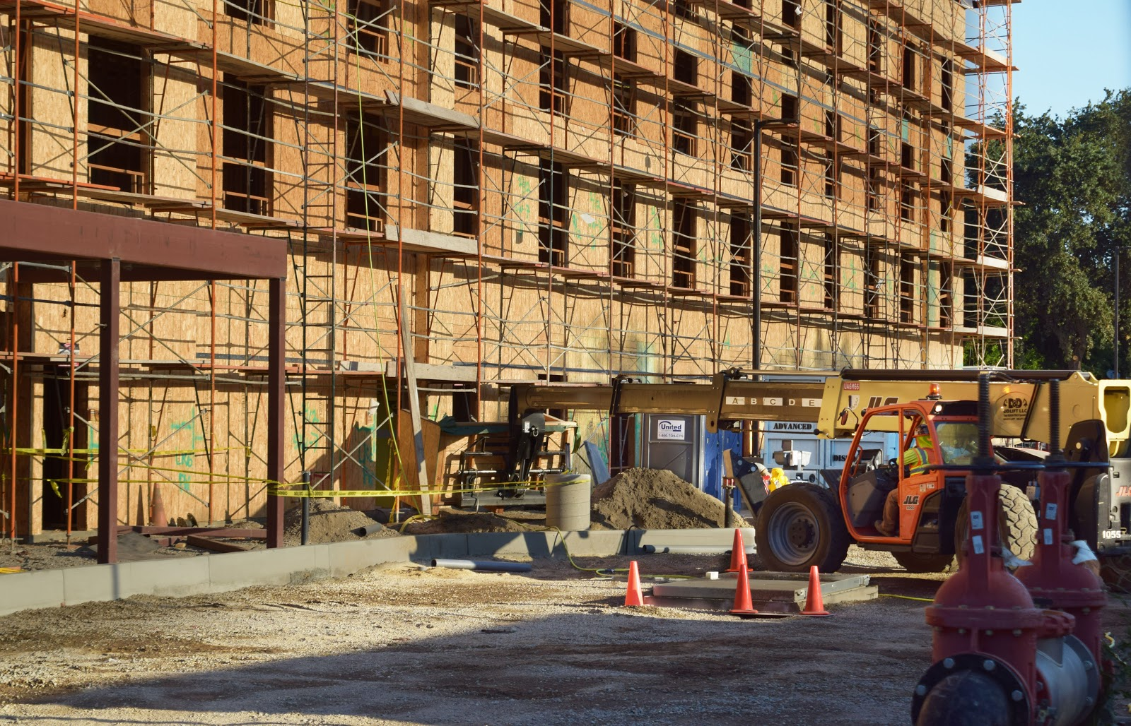 home2suites construction-West Capitol Ave